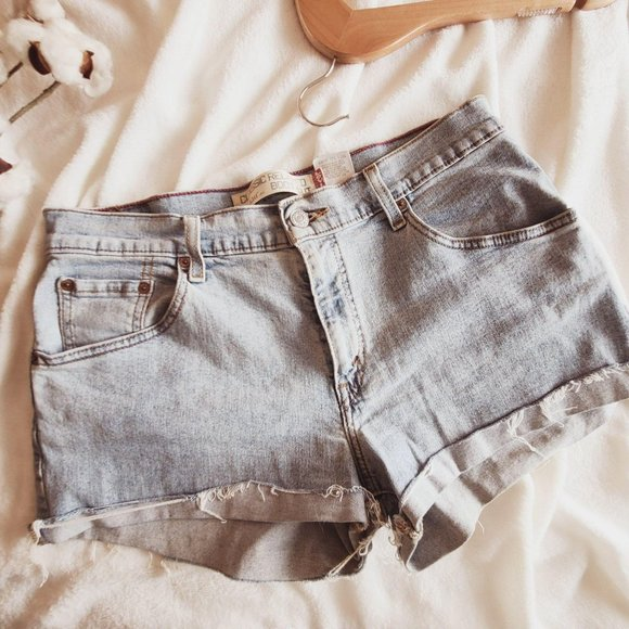 Levi's Relaxed Fit Cut Off Denim Jean Shorts 10 W